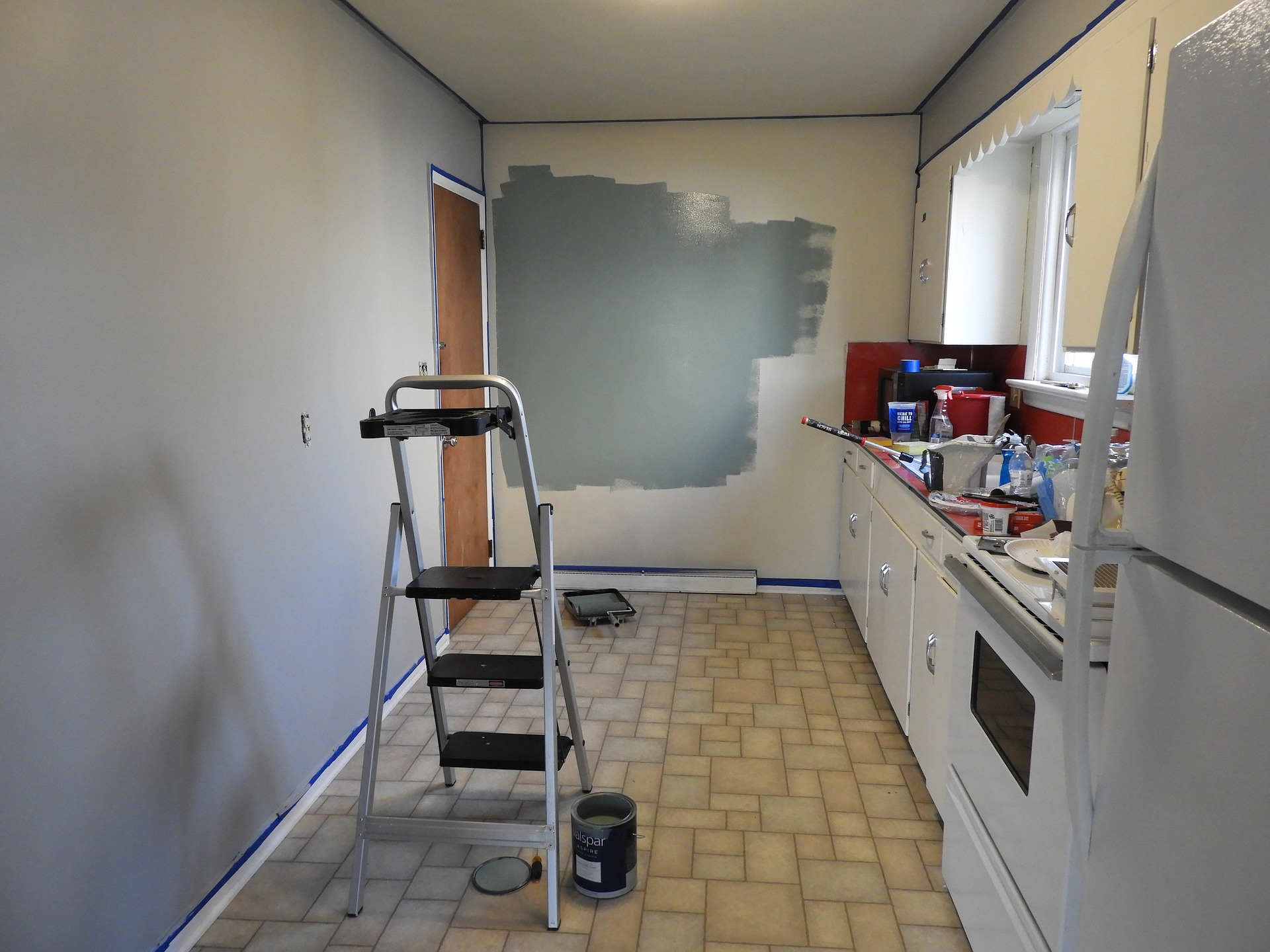 image showing the kitchen before remodeling began